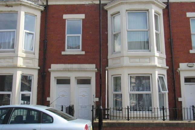 Thumbnail Flat for sale in Ladykirk Road, Benwell