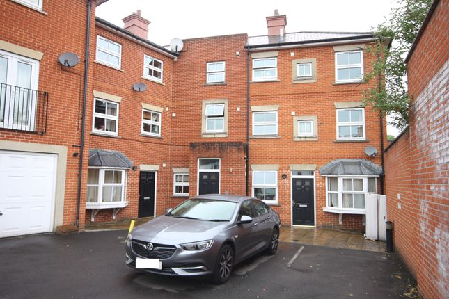 Thumbnail Flat to rent in Sovereign Court, Salisbury
