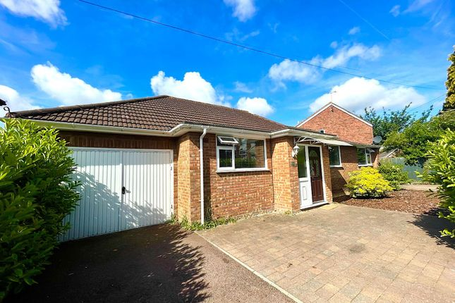 4 bed detached bungalow for sale in Hawthorn Avenue, Luton LU2