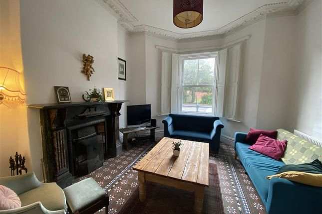Thumbnail Property to rent in Holmesdale Street, Cardiff