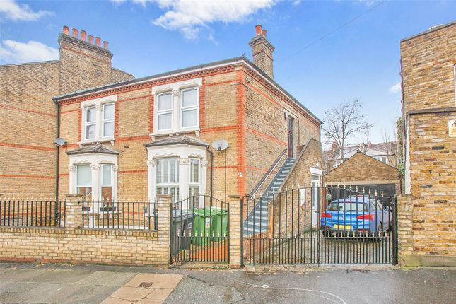 Thumbnail Flat for sale in Elmer Road, Catford, London