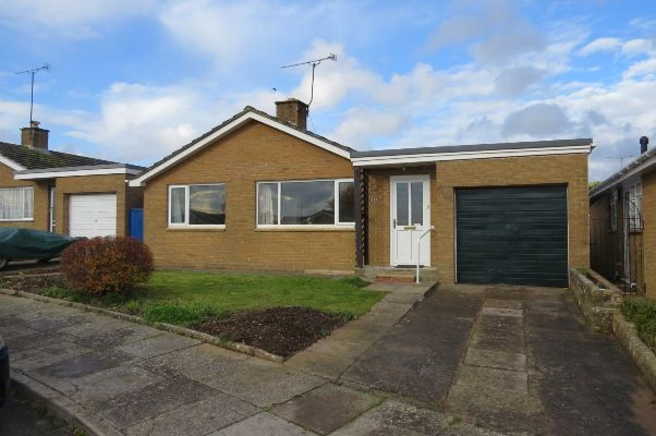 Thumbnail Detached bungalow to rent in Castle Road, Sherborne, Dorset