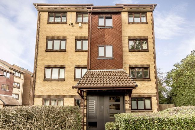 Thumbnail Flat to rent in Wicket Road, Perivale, Greenford