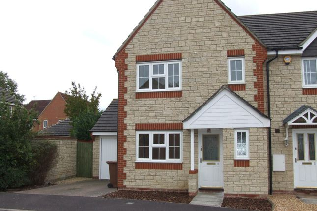 Thumbnail Property to rent in Century Close, Faringdon, Oxfordshire