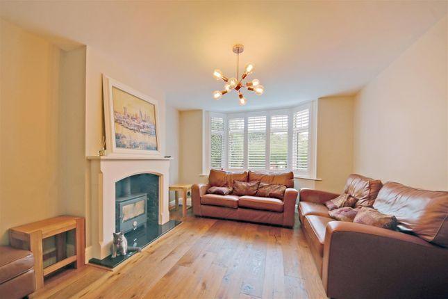 Thumbnail Semi-detached house for sale in Gills Hill Lane, Radlett