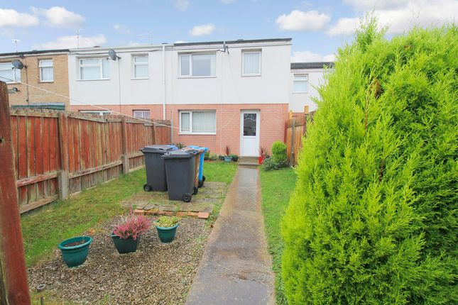 Thumbnail Property for sale in Saddleworth Close, Bransholme, Hull