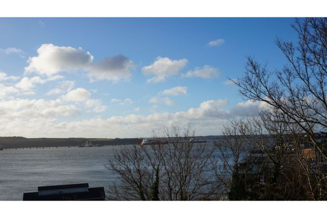 Thumbnail Flat to rent in 33 Hamilton Terrace, Milford Haven