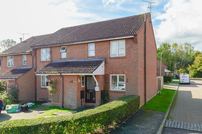 3 bed terraced house to rent in Broadcloth, Cranbrook