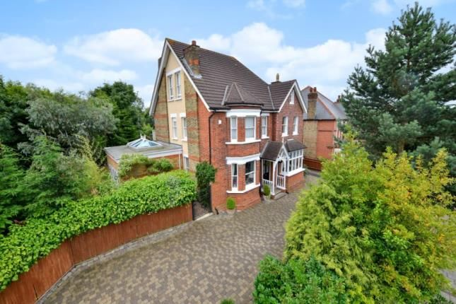 Thumbnail Property for sale in Shawfield Park, Bromley