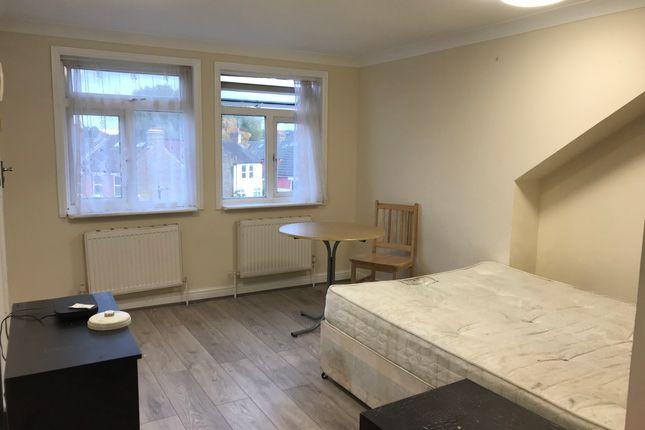 Thumbnail Studio to rent in Blackboy Lane, Turnpike Lane / Tottenham