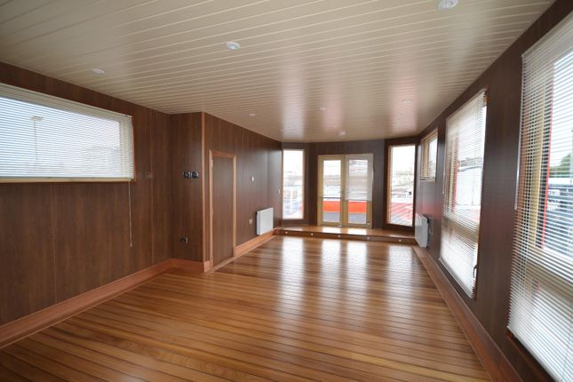 Thumbnail Houseboat for sale in Albion Parade, Gravesend