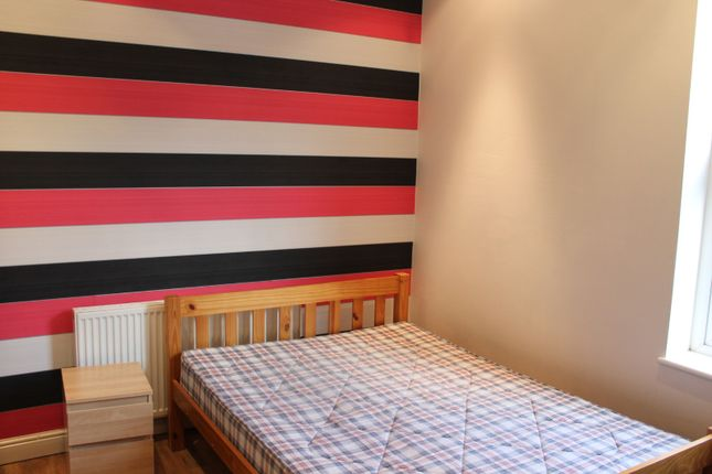 Thumbnail Shared accommodation to rent in London Road, Sheffield, South Yorkshire