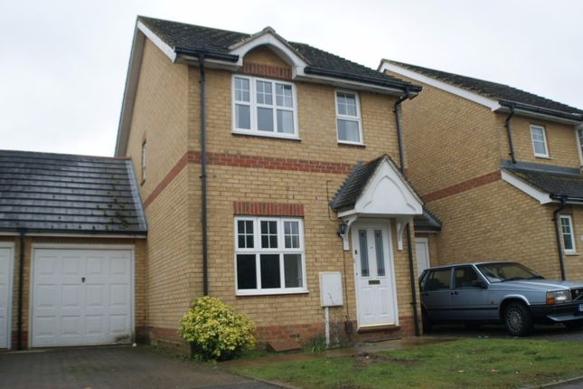 2 bed detached house to rent in Dove Close, Park Farm