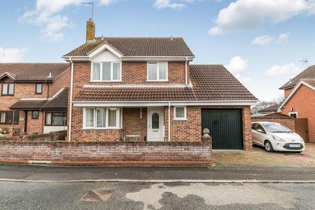 Thumbnail Detached house for sale in Rosewood Close, Highwoods, Colchester