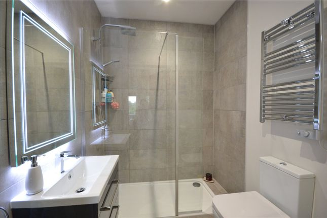 En Suite of Elwyn Road, Exmouth EX8