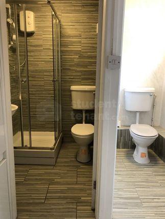 Cloakroom-Showerroom