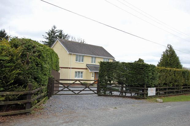 Thumbnail Detached house for sale in Rhos, Llandysul, Carmarthenshire