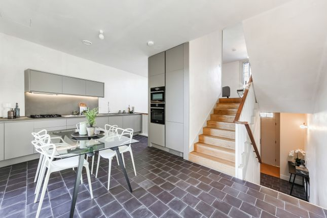 Thumbnail Terraced house for sale in Shepherdess Walk, London