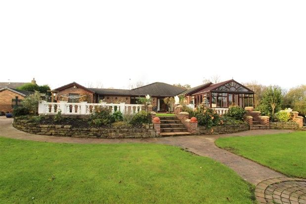 Thumbnail Bungalow for sale in Kellet Lane, Preston