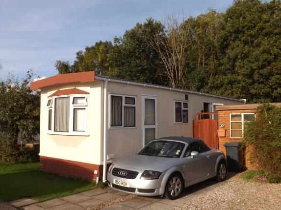 Thumbnail Bungalow for sale in Gamston Mobile Home Park, Bassingfield Lane, Gamston, Nottinghamshire