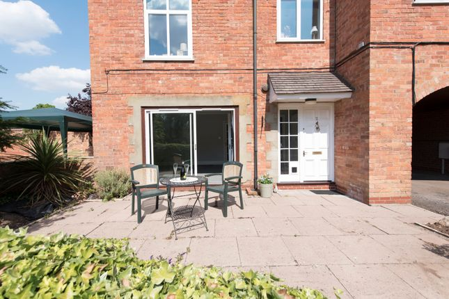 Thumbnail Flat for sale in Staple Hill, Wellesbourne, Warwick