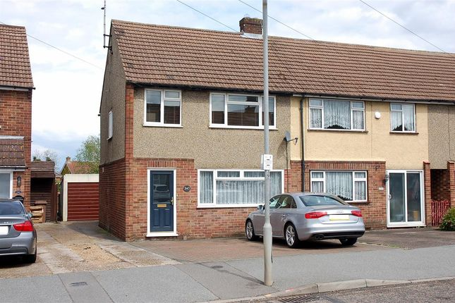 3 bed property for sale in Gloucester Avenue, Chelmsford CM2