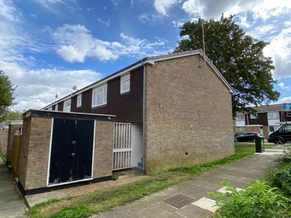 Thumbnail Maisonette for sale in Malletts Close, Stony Stratford, Milton Keynes, Bucks
