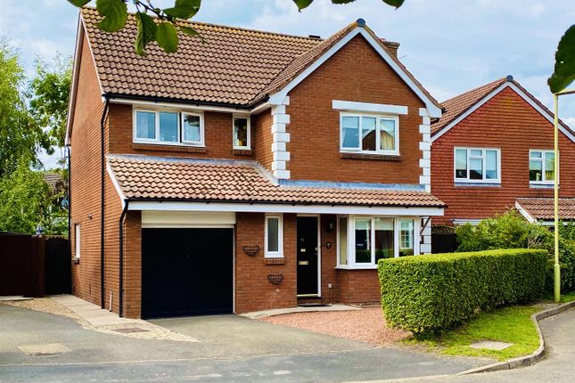 Thumbnail Detached house for sale in Woodlark Gardens, Petersfield