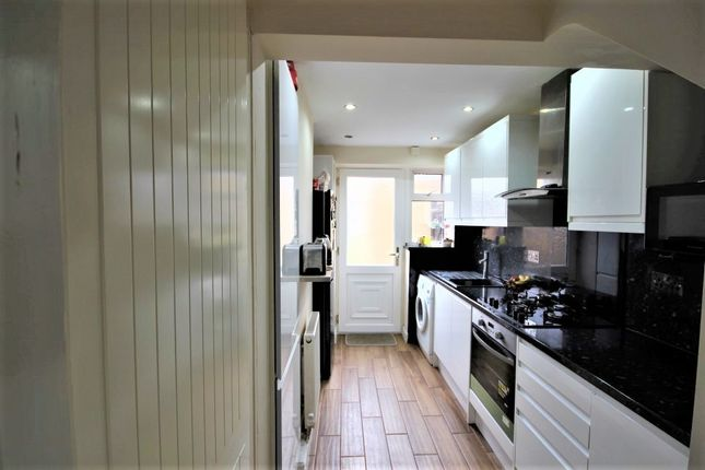 Thumbnail Terraced house for sale in Crosslands Drive, Abingdon