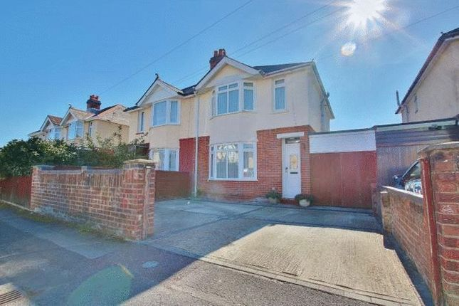 3 bedroom semi-detached house to rent in Lancaster Road, Maybush, Southampton