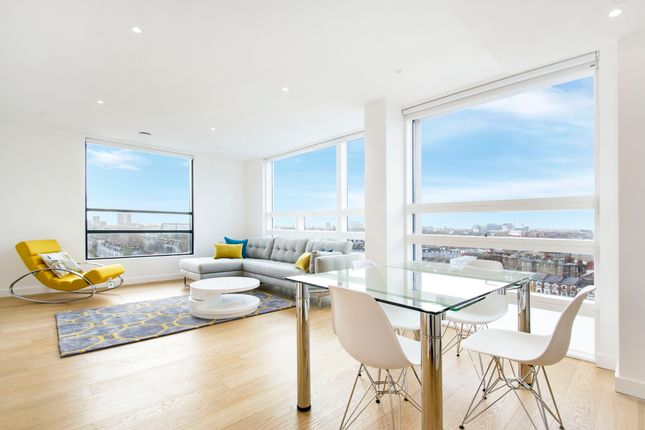 Thumbnail Flat to rent in Holland Park Avenue, Holland Park, London