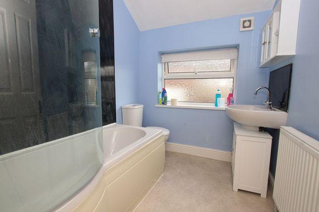 Bathroom of Gladstone Street, Loftus, Saltburn-By-The-Sea TS13