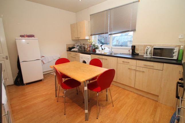 Thumbnail Room to rent in Morris Lane, Kirkstall, Leeds