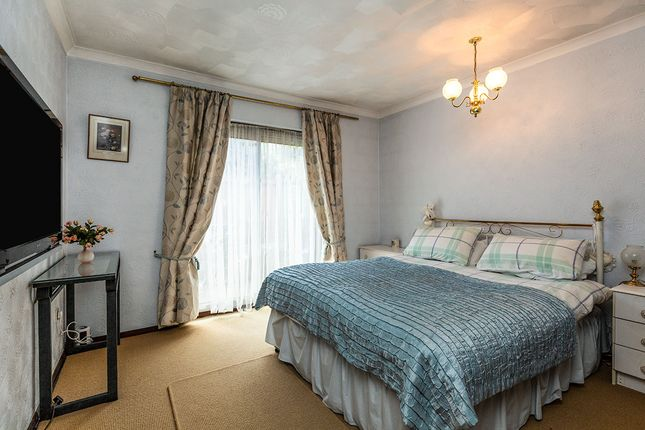 Bedroom 2 of Petersfield Drive, Meopham, Kent DA13