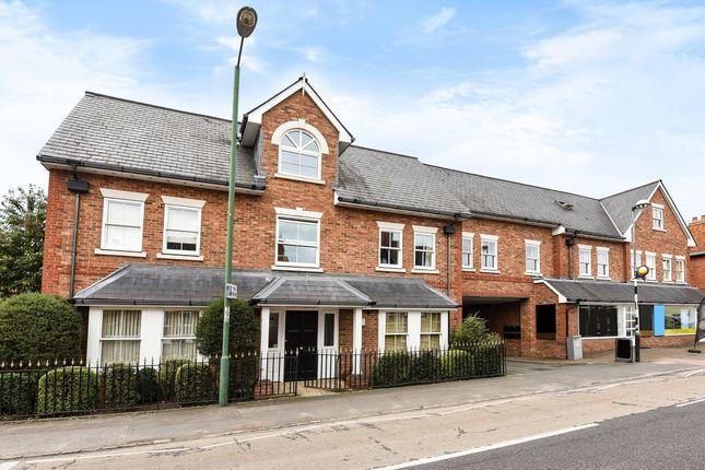 Thumbnail Flat to rent in Brockenhurst Road, Ascot