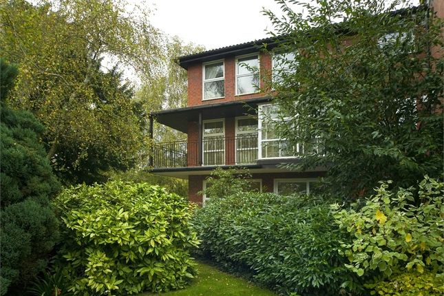 2 Bed Flat For Sale In Fountain Gardens Windsor