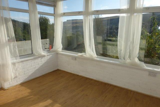 2 bed property to rent in Middle Row, Blaenllechau, Ferndale CF43