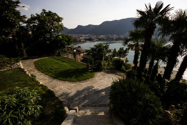 Villa for sale in Como (Town), Como, Lombardy, Italy