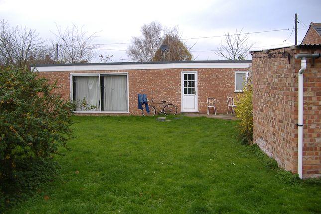 Thumbnail Semi-detached bungalow to rent in Bear Lane, Pinchbeck