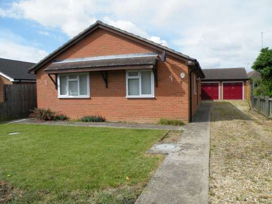 Thumbnail Bungalow to rent in Holly Drive, Bourne