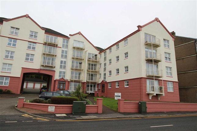 Thumbnail Flat for sale in Cragburn Gate, Gourock, Renfrewshire