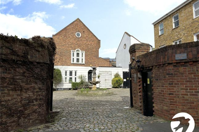 Picture No. 02 of Robinscroft Mews, Greenwich, London SE10
