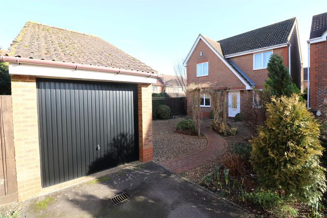 Thumbnail Detached house for sale in Lilac Grove, Rushden