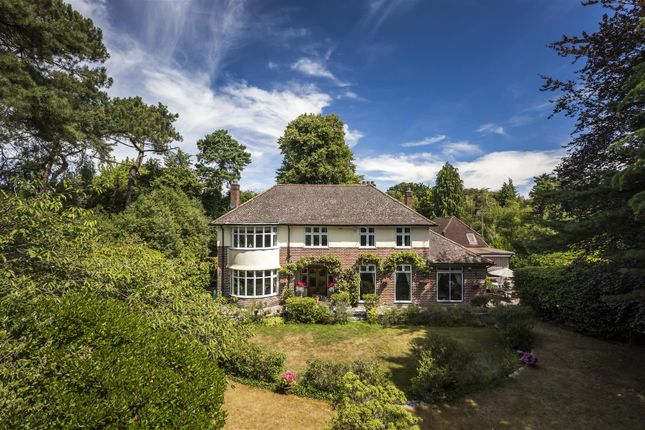 Canford Cliffs Road, Branksome Park, Poole BH13