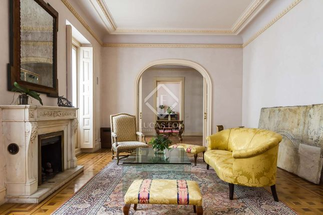 Thumbnail Apartment for sale in Spain, Madrid, Madrid City, City Centre, Justicia, Mad6413