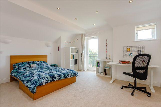 Bedroom of Harlaxton Drive, Nottingham NG7