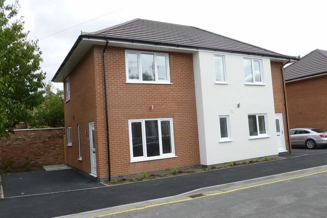 Thumbnail Flat to rent in Broadgate Avenue, Beeston, Nottingham