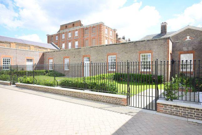 Thumbnail Flat for sale in Vitali Close, Roehampton