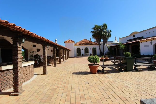 Thumbnail Farmhouse for sale in Silves Municipality, Portugal