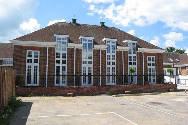 Thumbnail Flat to rent in Isabel Court, Hoddesdon